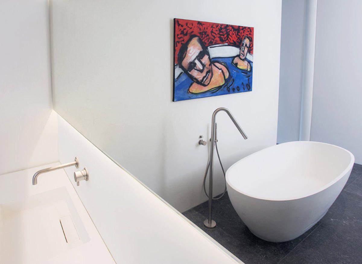 cocoon-corian-bathtub