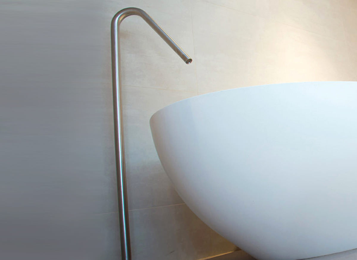 cocoon-floor-mounted-stainless-steel-faucet-2