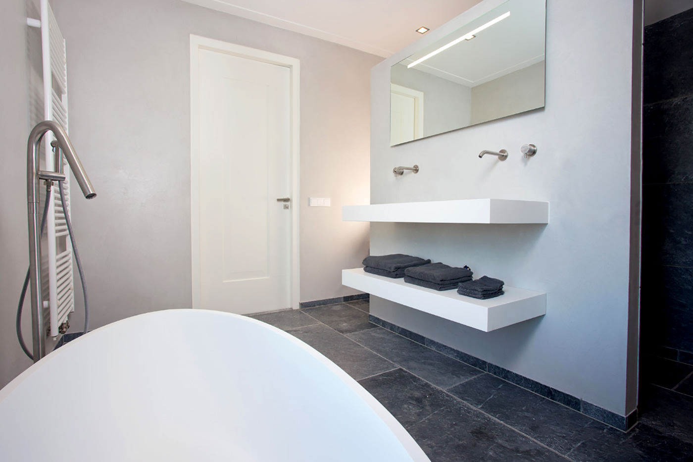 cocoon-welness-bathroom-spa-bathroom-welness-design-welness-pictures-bathroom-design-badkamerdesign-Amsterdam-witte-badkamer-white-bathroom