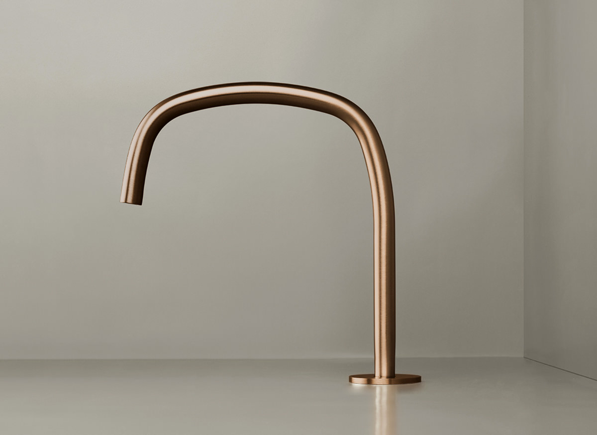 COCOON PB11 Deck mounted spout - raw copper
