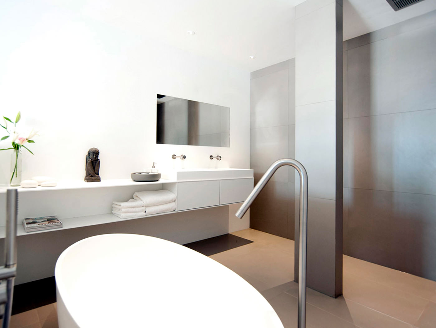 cocoon_hotel_bathroom_design_hotel_renovation_products_taps_discount