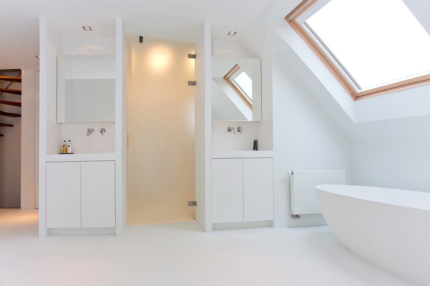 Cocoon-welness-bathroom-corian-bath-tub-solid-bath-solid-surface-bath-tub-spa-room